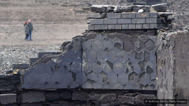 Quem foi até o Reservatório Ladybower em 2018 pôde ver as ruínas da igreja de Derwent