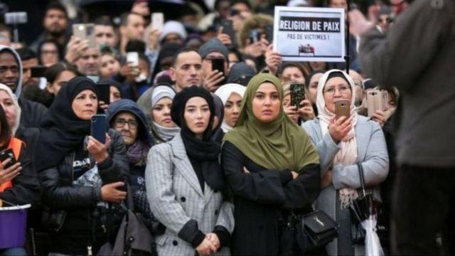 ফ্রান্সে ইসলাম-বিদ্বেষের অভিযোগে মুসলিমদের সমাবেশ