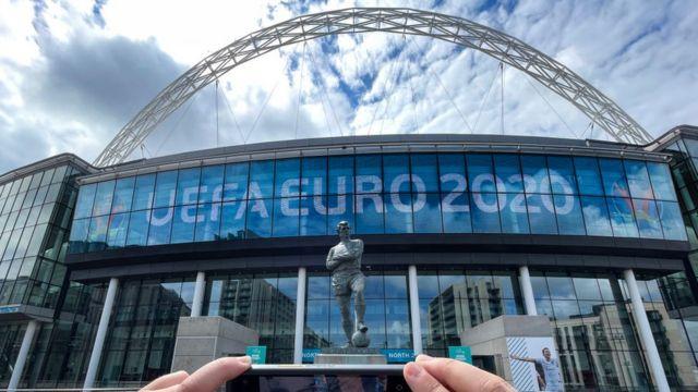 Fachada estadio de Wembley.