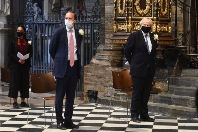 İngiltere Sağlık Bakanı Matt Hancock ve Başbakan Boris Johnson
