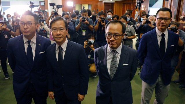 (左至右)被撤职的香港民主派立法会议员杨岳桥、郭家麒、梁继昌和郭荣铿(11/11/2020)