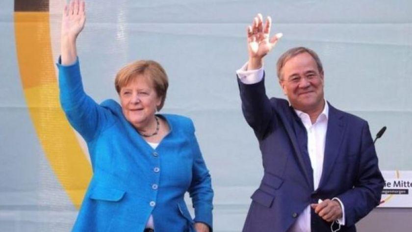 Angela Merkel and Armin Laschet