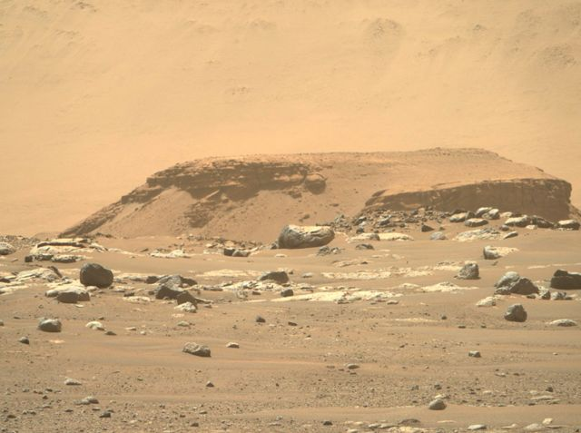 Seção de estratificação em um delta na superfície de Marte
