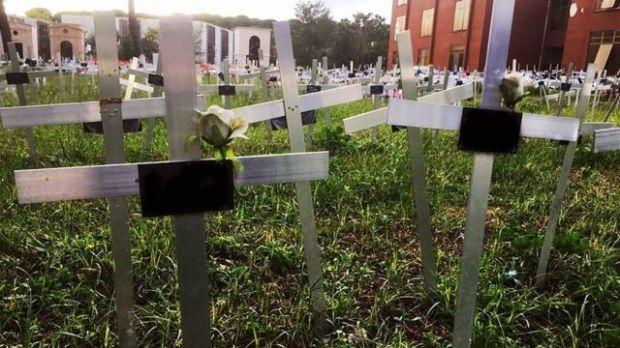 """""""El jardín de los Ángeles"""" del cementerio Flaminio da Prima Porta en Roma."""