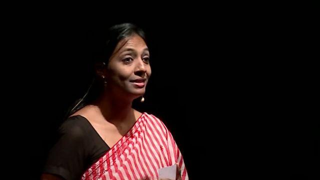 Pallavi Barnwal delivering her Ted talk