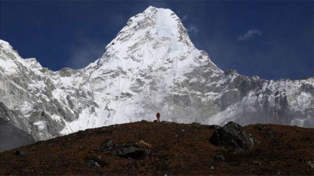 वसन्तमा भन्दा शरद् याममा हिमाल चढ्ने अनुमति लिँदा तिर्नुपर्ने दस्तुर कम हुन्छ