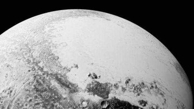 تصنيف بلوتو كوكب قزم في عام 2006، جدد البحث عن كوكب تاسع جديد