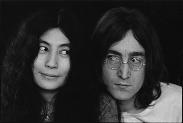 Со временем Леннон признал, что Йоко Оно была соавтором песни Imagine