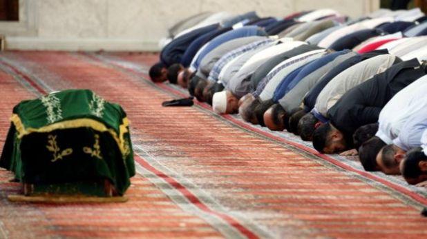 الصلاة على جثمان الشيخ الأفيوني