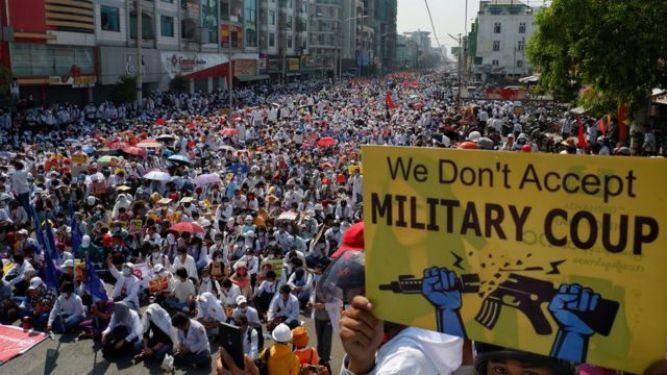 Đảo chính Myanmar: Biểu tình lớn bất chấp cảnh báo của quân đội - BBC News Tiếng Việt