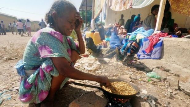 آلاف اللاجئين فروا إلى السودان.