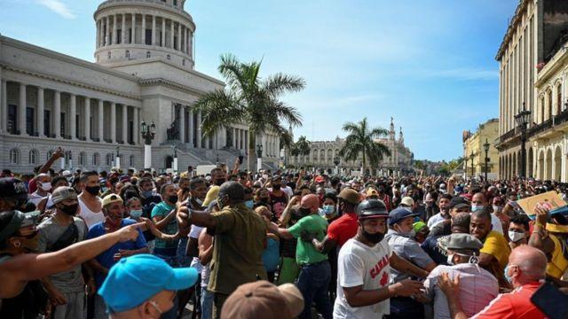 Manifestantes en La Habana, Cuba