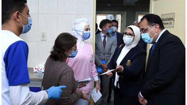 The Egyptian Prime Minister and the Minister of Health inspect a vaccination center