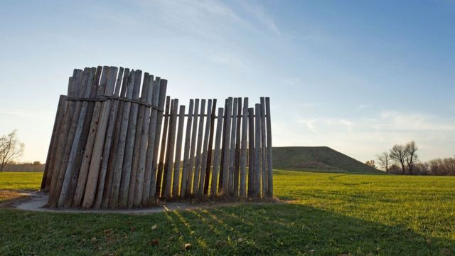 Medidor de estaciones climáticas en Cahokia.