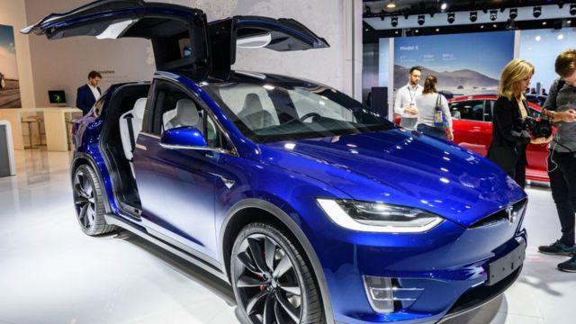 Tesla Model X 90D на виставці в Брюсселі