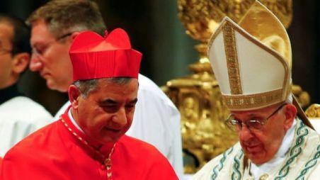 Cardeal Angelo Becciu com papa Francisco