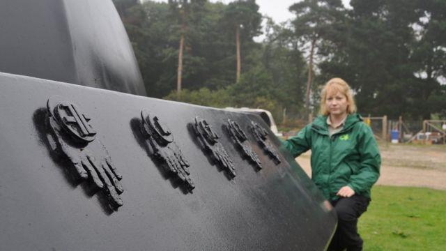 إدارة الغابات أقامت ممشى للزوار في الغابة يتضمن مجسماً لما يعتقد أن الجنود الأمريكيين رأوه في تلك الليلة