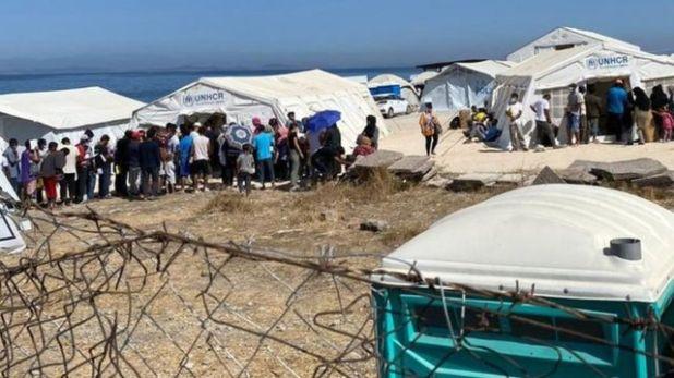 مهاجرون في مخيمات اللاجئين في اليونان