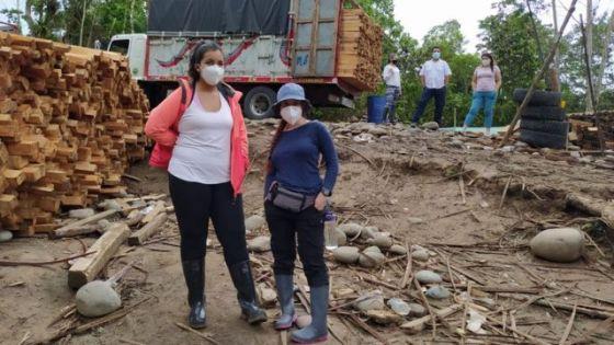 Ativistas ambientais na área de exploração de Pau-de-balsa