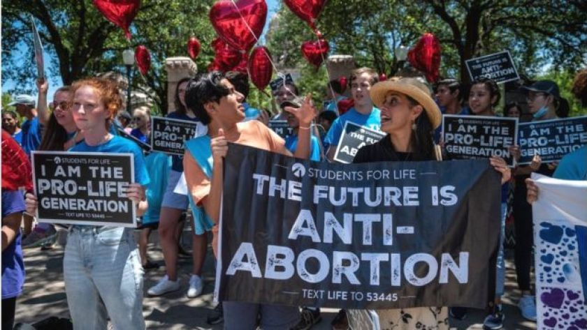 Anti-abortion groups demonstrating in Texas