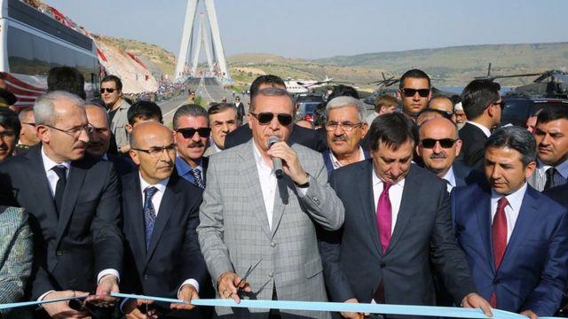 Erdogan oo mashruuc xarigga ka jaraya