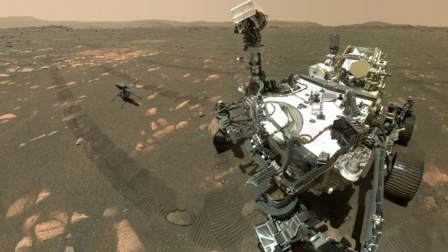 A helicopter and spacecraft selfie on Mars.