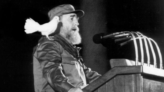 Fidel discursa em evento de comemoração ao aniversário de 30 anos da revolução cubana