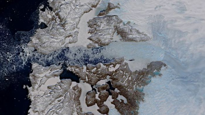 Jakobshavn Glacier in west Greenland viewed by the Copernicus Sentinel-2 mission on 29 April 2019