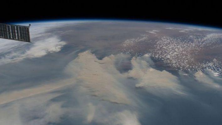 Avustralya yangınlarının yaydığı dumanlar, Uluslararası Uzay İstasyonu'ndan böyle görüntülendi.