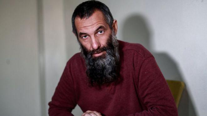 الكسندر بيكميرازف (45 عاما)