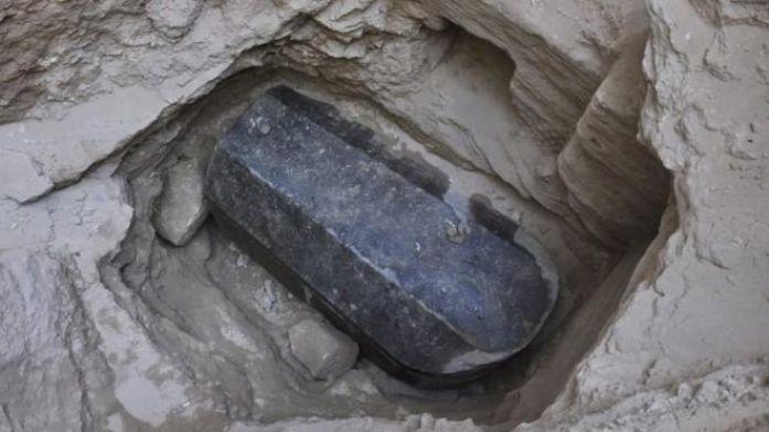 Sarcófago de granito en la ciudad de Alejandría.