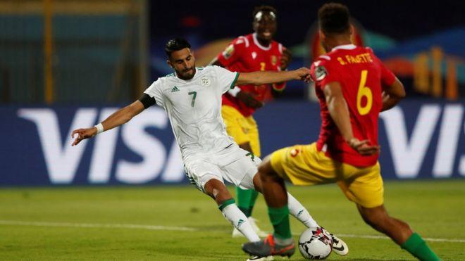 كأس أمم أفريقيا الجزائر تتأهل لدوري الثمانية بعد فوزها على