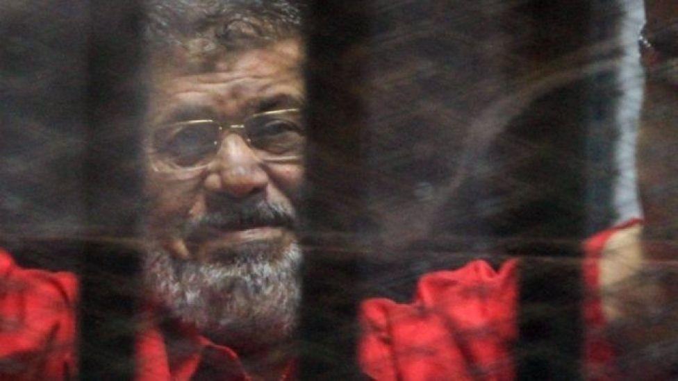 Sawir laga qaaday Morsi sannadkii 2016-kii xilli uu ku jiray xabsiga