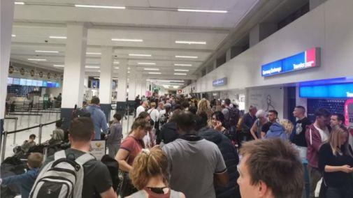 Bildergebnis für Manchester flights cancelled due to fuel supply problems