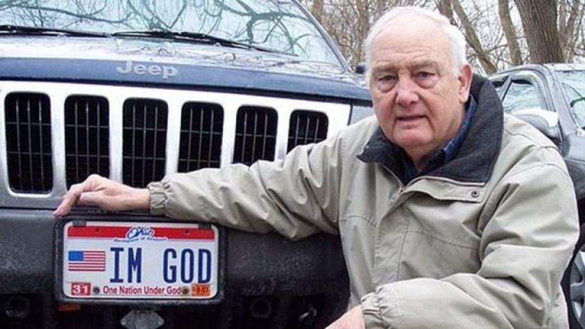 Bennie Hart, Ohio'da kullandığı TANRIYIM plakasıyla
