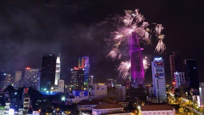Bắn pháo hoa tại TP Hồ Chí Minh dịp 30/4/2015
