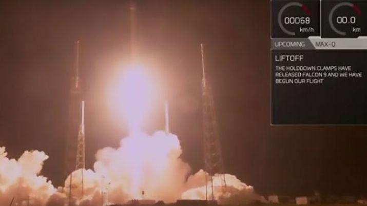 Zuma roketi fırlatılıyor