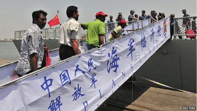 Chinese navy receives evacuees from Aden, 2 Apr 15