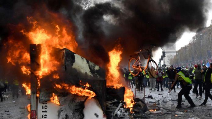 مظاهرات باريس