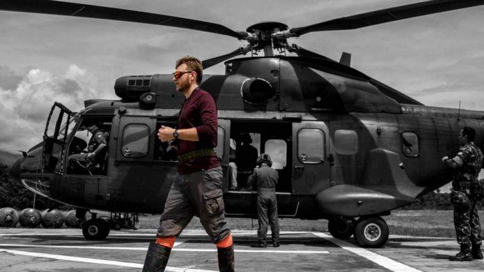 Ivan Prates por subirse a un helicóptero.