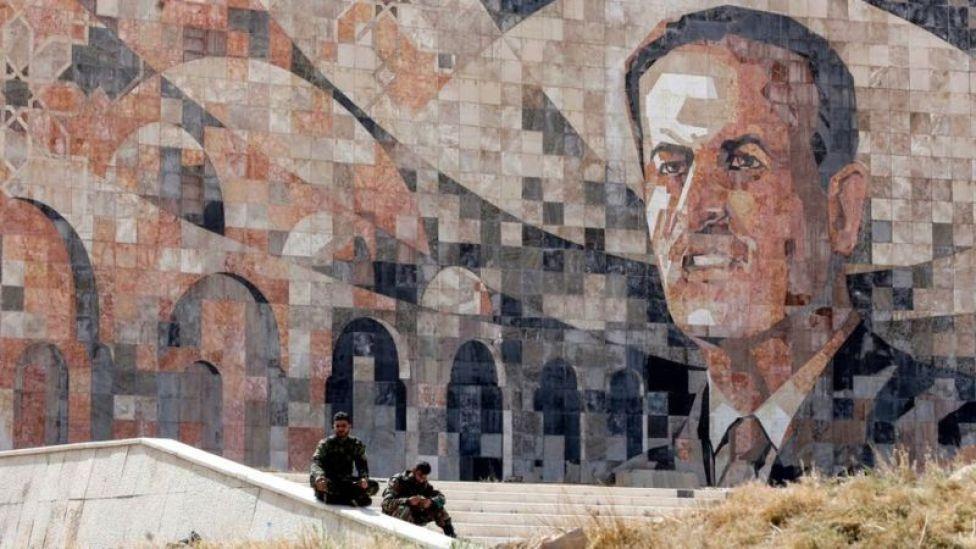 Mural con la imagen de Hafez al Asad en Gouta.