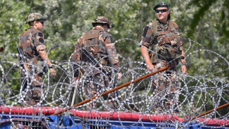 Hungarian troops on fenced-off Serbia border, 25 July 16