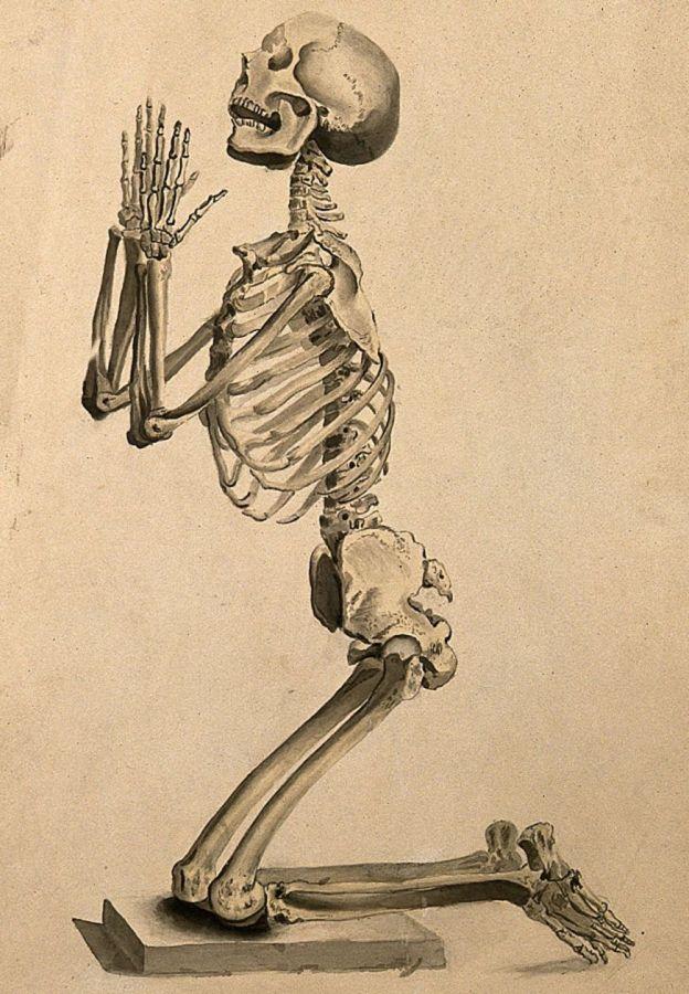 Esqueleto rezando o pidiendo clemencia