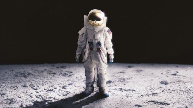 Hasil gambar untuk astronaut