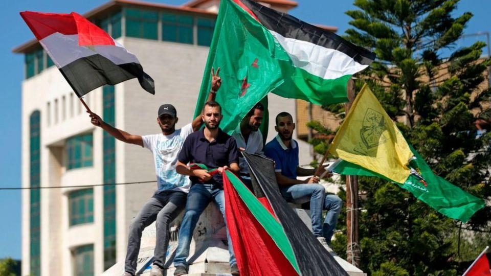 Palestinos celebran la firma de reconciliación en la Franja de Gaza