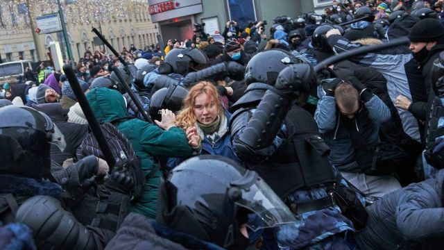 Riot police clash with supporters of Alexey Navalny, Russian opposition leader in Moscow