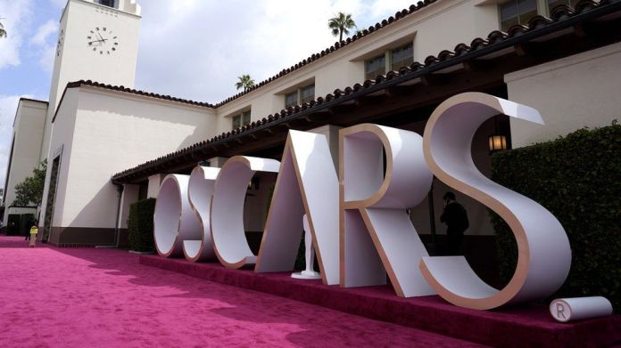 Oscars 2021: 13 major red carpet looks from the Academy Awards | Latest News Live | Find the all top headlines, breaking news for free online April 26, 2021