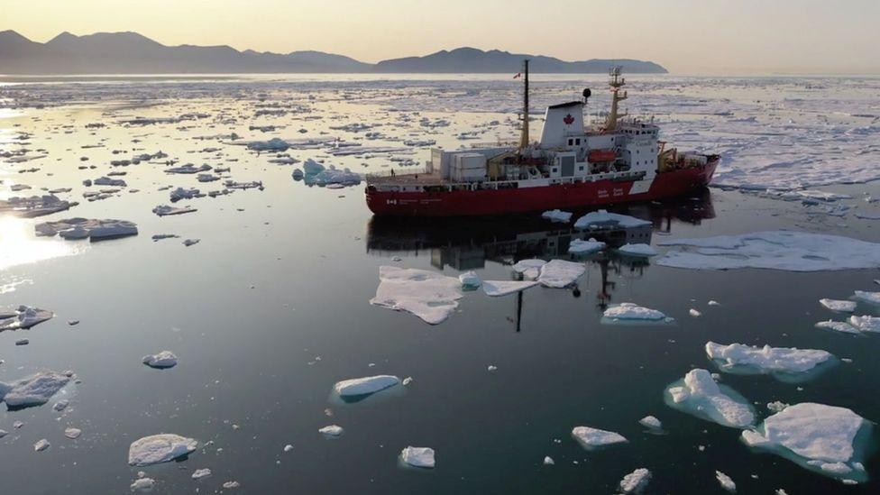 Scientific ship studying the deep, northern Atlantic
