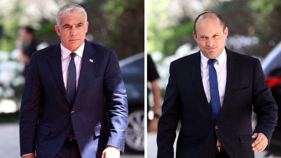 Leader of the Yemina party, Naftali Bennett (R) and leader of the Yessh Atid party, Yair Lapid (L)