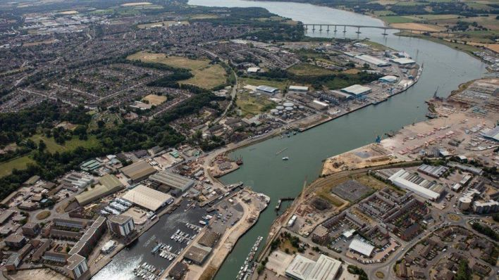 Ipswich Port: Container ship crew member dies - BBC News